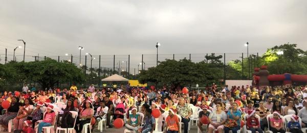 Consulado de Colombia compartió con los connacionales el Día de las Velitas